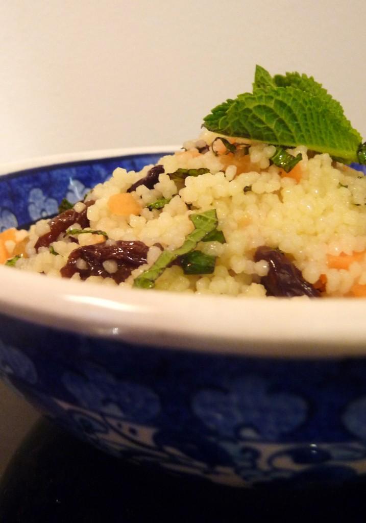 Taboulé à ma façon : carottes, menthe et raisins secs dans 2.Entrées p1070999